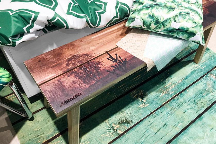 druk na drewnie