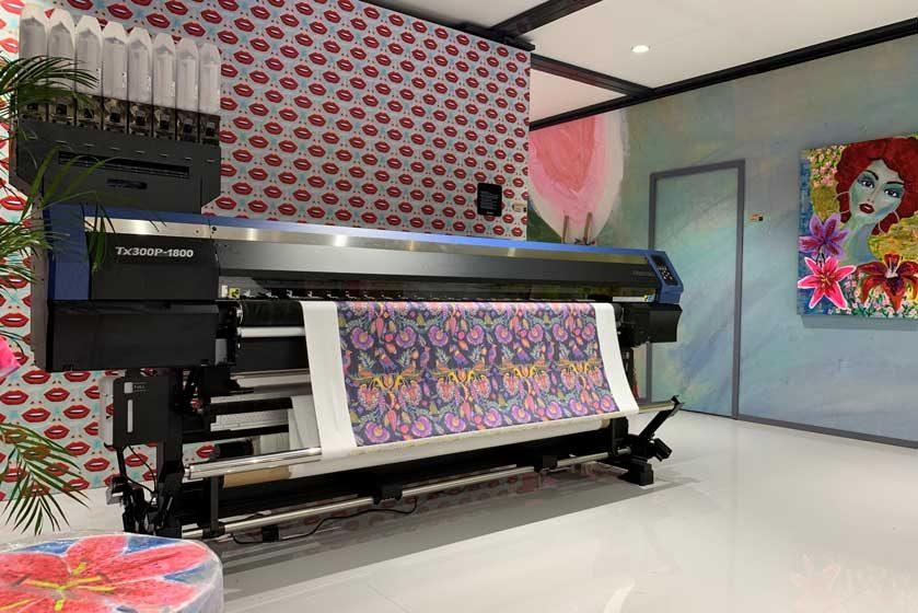 Mimaki представляет первый гибридный текстильный принтер